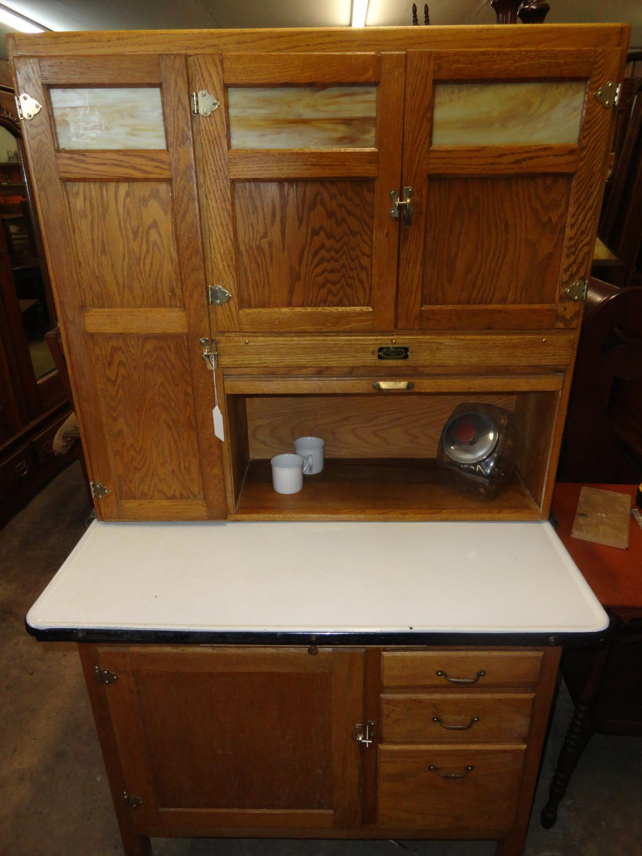 ... C1910 Oak Hoosier With Flour Siftter, Refinished.